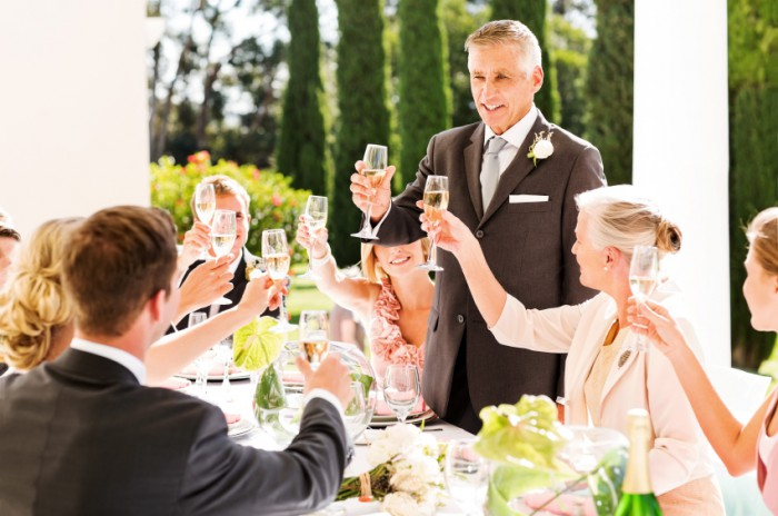 how to give a toast at a dinner